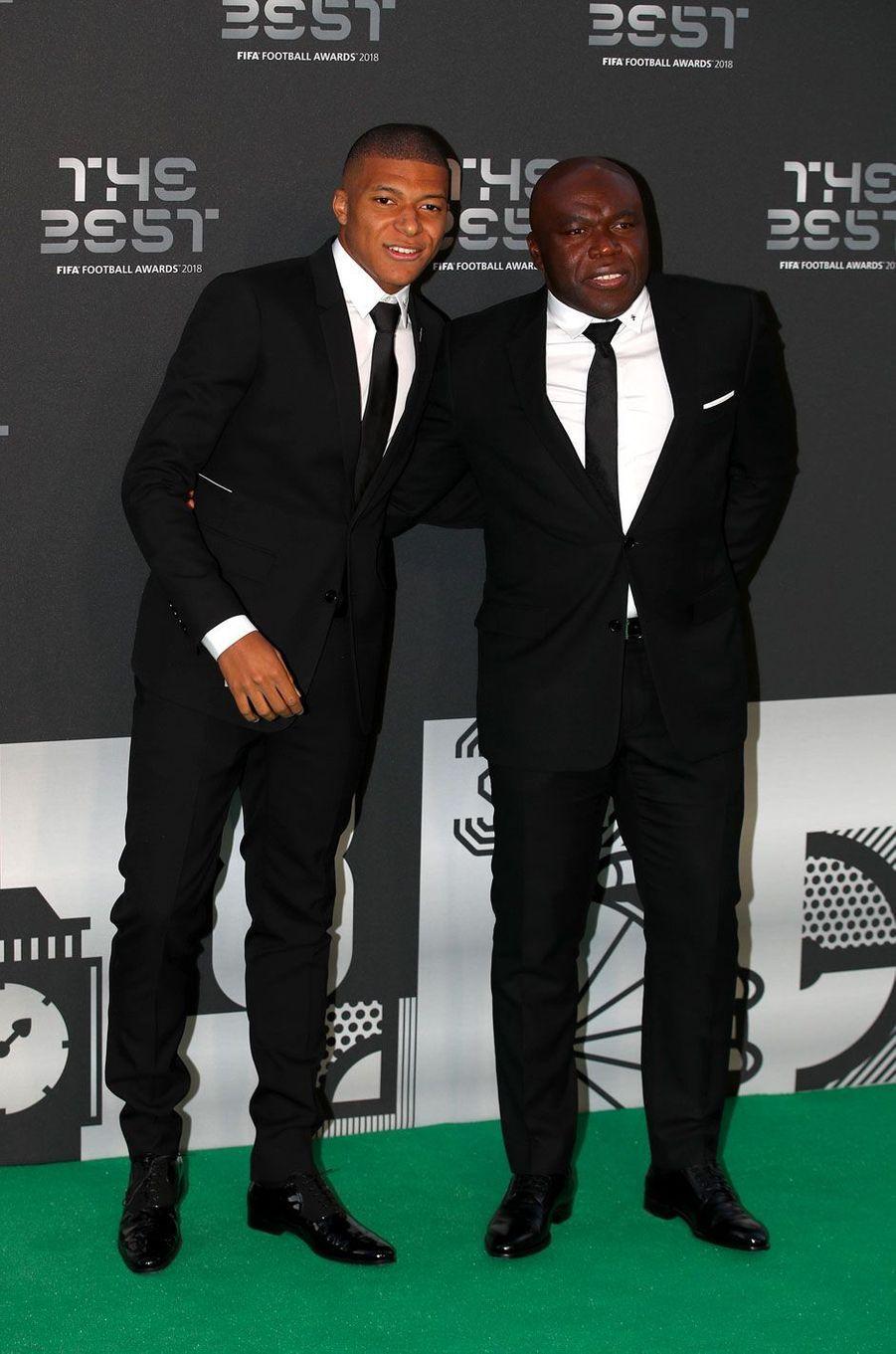 Kylian Mbappé avec son père Wilfried