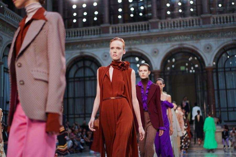 Victoria Beckham a organisé son défilé de la Fashion Week de Londres dans l'enceinte du ministère des Affaires étrangères britannique.