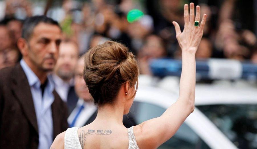 Angelina Jolie était à Paris hier soir, pour la première de son nouveau film, Salt, au Grand Rex.