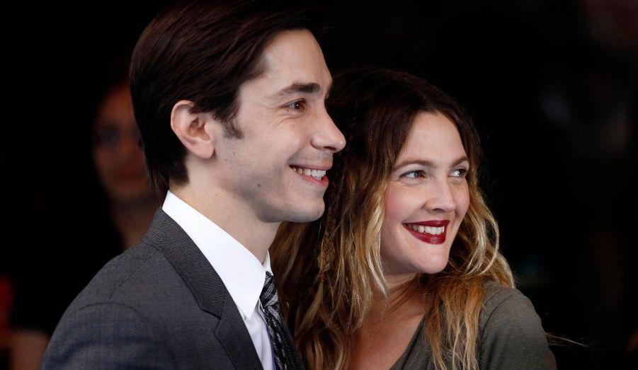 """Drew Barrymore et son compagnon Justin Long étaient présents à la première britannique de leur film, """"Going the Distance"""", à Londres."""