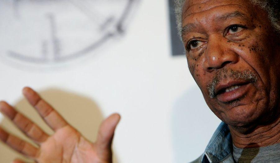 Morgan Freeman comparaîtra au tribunal d'Oxford (Mississipi) le 9 août 2010, apprend-on ce mercredi. Demaris Meyer, la passagère avec qui l'acteur a eu un accident de voiture l'été dernier dans cet Etat a en effet porté plainte contre lui. Demaris Meyer, qui avait démenti avoir eu une liaison avec l'acteur, avait eu un poignet et une clavicule fracturée ; elle affirme que Morgan Freeman –à qui cet accident avait failli coûter la vie- était sous l'emprise de l'alcool au moment des faits.