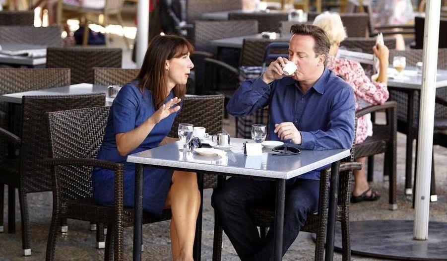 Le Premier ministre britannique, David Cameron, et sa femme Samantha en vacances à Majorque, en Espagne.
