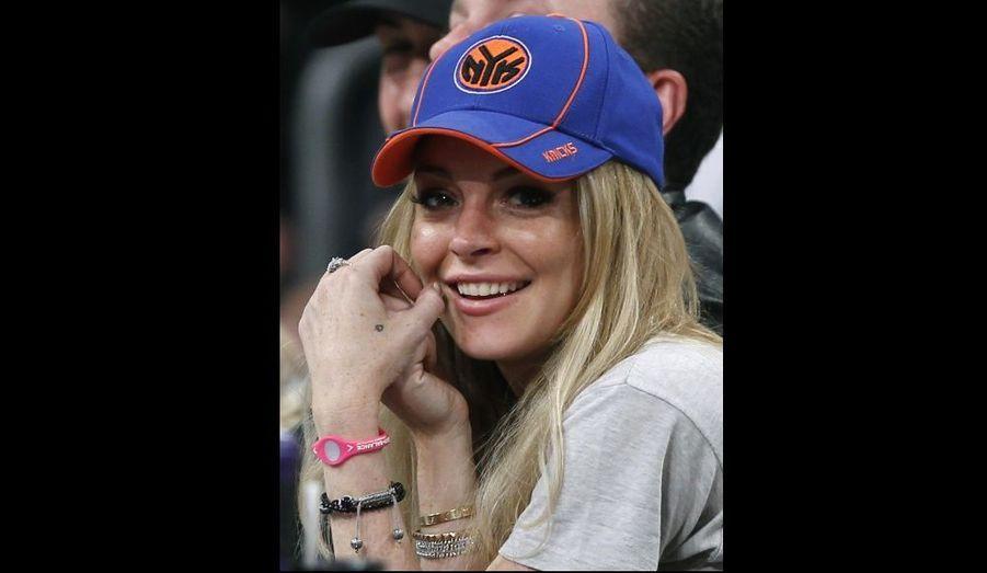 A peine sortie de cure de désintoxication, Lindsay Lohan est allée encourager l'équipe des Lakers de New-York.