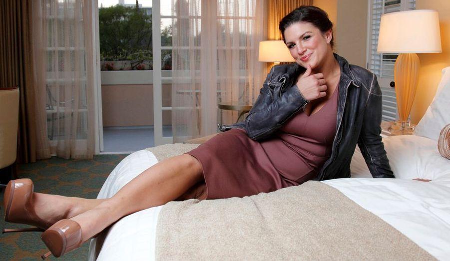 Championne d'arts martiaux et actrice, notamment dans le film Haywire, le nouveau film de Steven Soderbergh, Gina Carano prend la pose lors d'une séance photos à Beverly Hills.