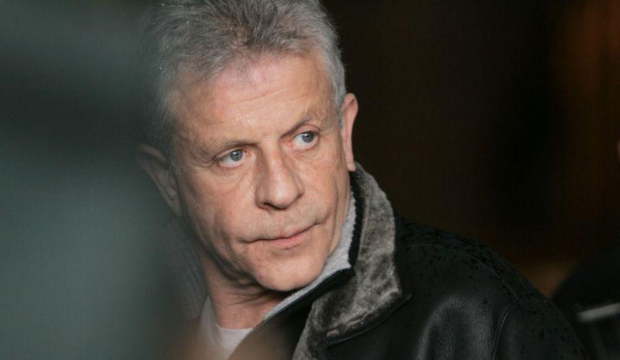 LeParisien.fr révèle que l'acteur et animateur de télévision, Georges Beller, 65 ans, a été victime d'un vol à la portière, samedi, peu avant minuit. Il circulait avec son épouse à Villetaneuse en Seine-Saint-Denis, lorsqu'il a été attaqué par cinq hommes qui ont brisé une vitre de sa voiture. Le sac à main de son épouse a été dérobé.