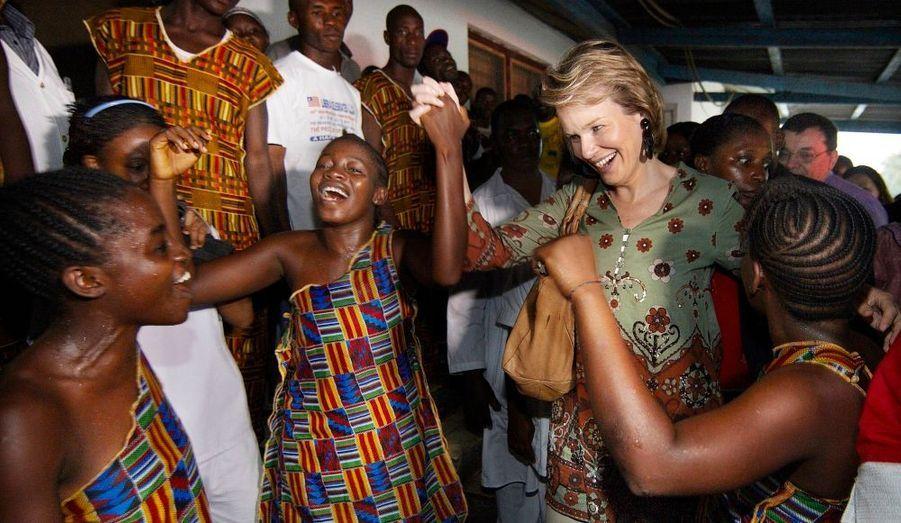 La princesse Mathilde de Belgique s'est rendue au Libéria dans le cadre de son engagement pour la lutte contre le Sida.