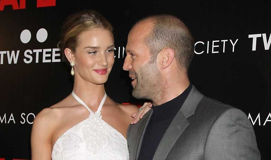 Rosie Huntington-Whiteley a accompagné son homme, Jason Statham à la première de son nouveau film,Safe, qui a eu li eu lundi soir à New York.