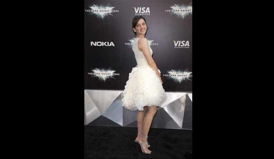 """Marion Cotillard à l'avant-première mondiale, à New York, de """"The Dark Knight Rises"""", de Christopher Nolan et avec Christian Bale, Anne Hathaway, ou encore Tom Hardy. (Sortie en France le 25 juillet.)"""