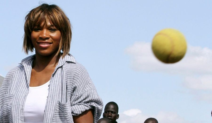 De passage au Kenya pour une action humanitaire, Serena Williams a tapé quelques balles lors d'une exhibition à Nairobi.