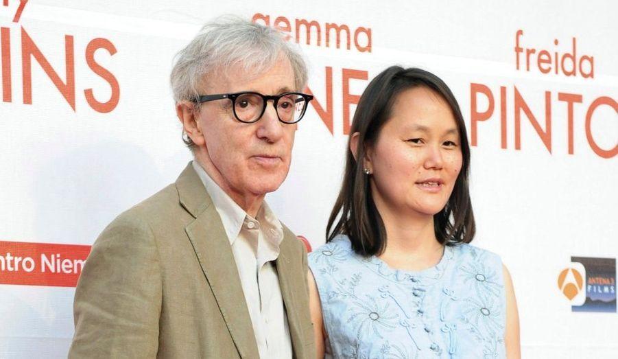 Le réalisateur américain et son épouse ont assisté à l'avant-première espagnole de You Will Meet a Tall Dark Stranger à Aviles, hier.