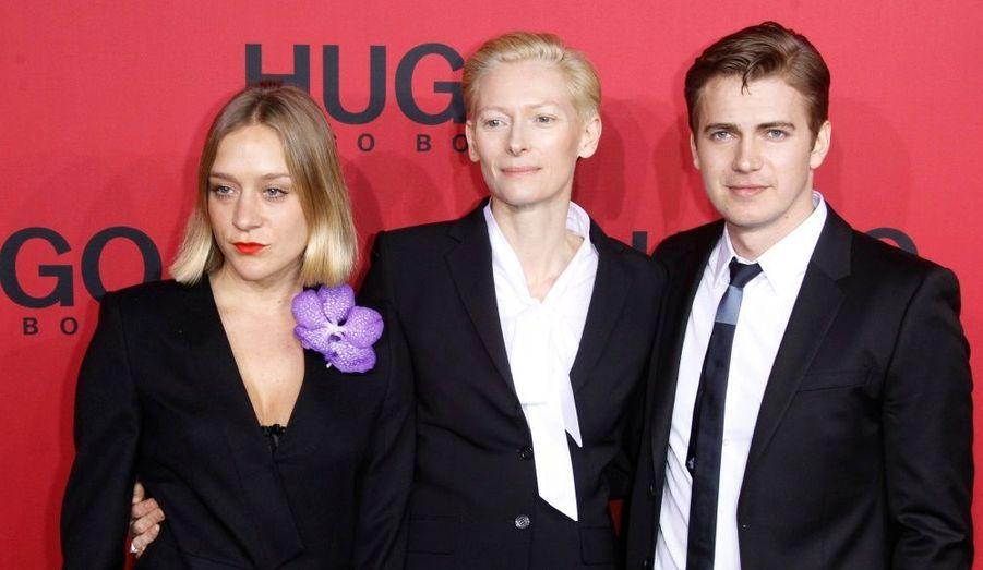 Les acteurs Chloe Sevigny, Tilda Swinton et Hayden Christensen arrivent au défilé Hugo Boss lors de la fashion week de Berlin.
