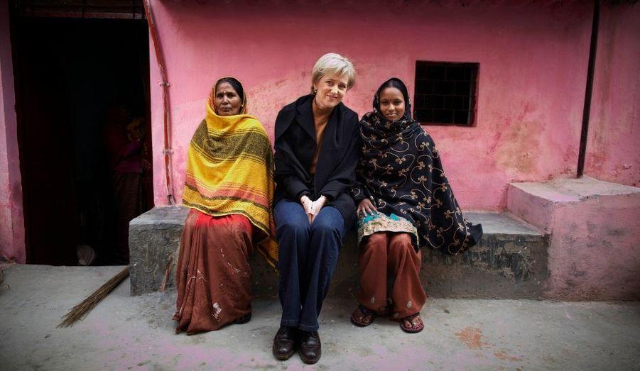 La Princesse Astrid de Belgique s'est rendue à New Delhi, en Inde, pour une visite humanitaire. Elle participe activement à différents projets de lutte contre la lèpre et la tuberculose.