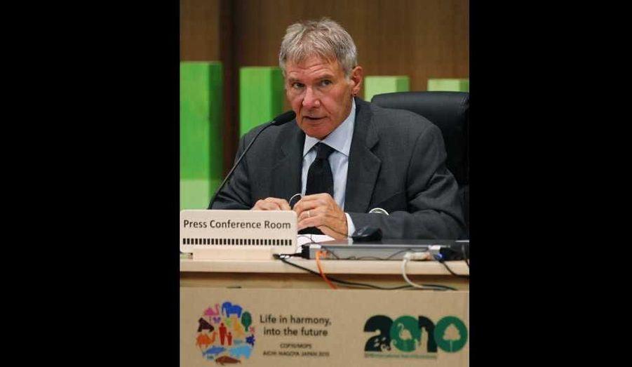 """Harrison Ford, en tant que membre du conseil d'administration de l'organisation Conservation International, est cette semaine à Nagoya, au Japon, pour la 10e Conférence des parties de la Convention sur la diversité biologique. L'acteur américain estime que les Etats-Unis """"devraient plus s'engager"""" dans ce domainde."""