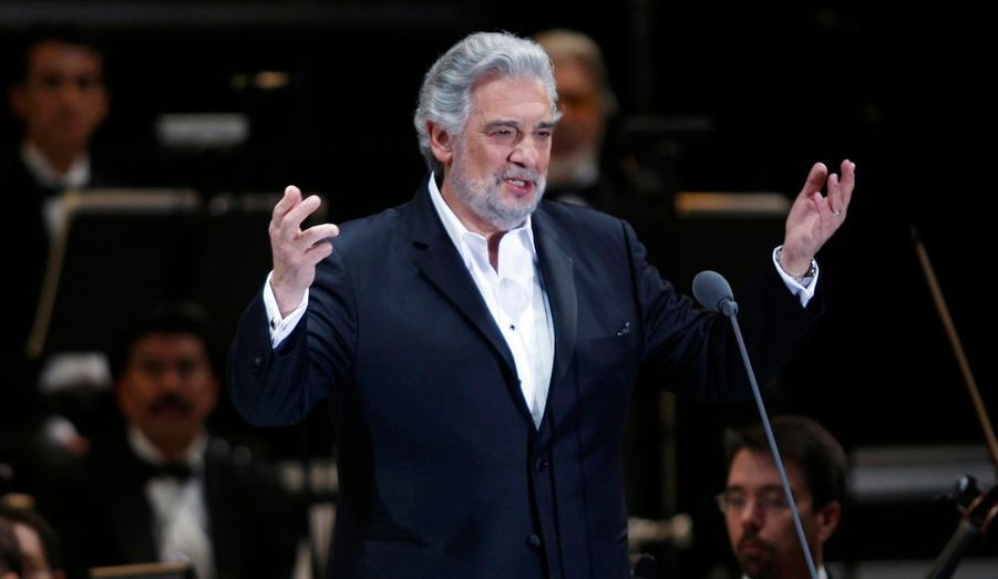 Placido Domingo, âgé de 69 ans, s'est fait opérer la semaine dernière au Mount SInai Hospital de New York, a fait savoir son agent, Nancy Seltzer. Le tenor espagnol s'est fait retirer des polypes cancéreux du colon, il est sorti de l'hôpital dimanche mais va devoir se reposer quelques temps. Le chanteur avait dû arrêter sa tournée mondiale à cause de douleurs abdominales lors de sa performance à Tokyo au Japon, le 13 février dernier. Il devrait toutefois reprendre sa tournée au Teatro alla Scala de Milan, dès le 16 avril.