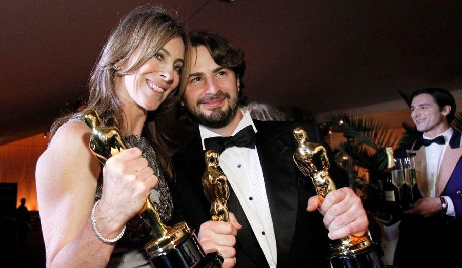 """Le producteur, Mark Boal et la cinéaste, Kathryn Bigelow peuvent sourire. Meilleure réalisatrice, meilleur scénario, meilleur montage, meilleur son, meilleur montage son et enfin meilleur film : le triomphe de """"Démineurs"""" est total."""