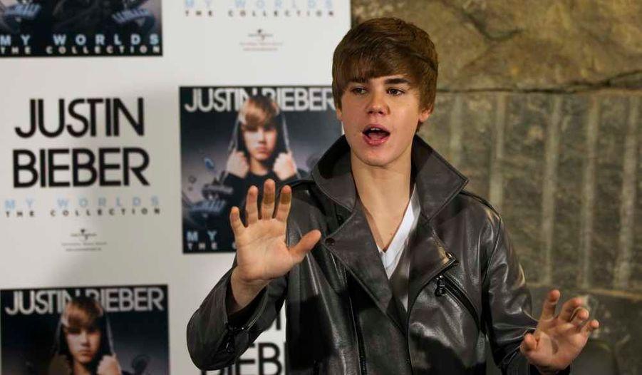 Justin Bieber fait sa star lors d'une séance photos à Madrid.