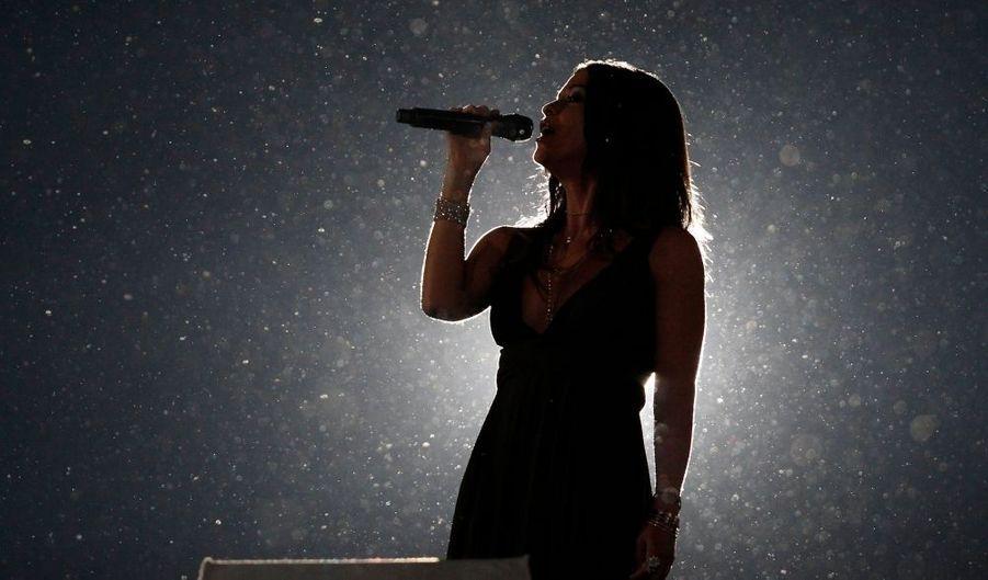 Alanis Morissette, ainsi que d'autres stars comme Nickelback, Neil Young ou encore Avril Lavigne, ont chanté pour la cérémonie de clôture des Jeux olympiques de Vancouver.