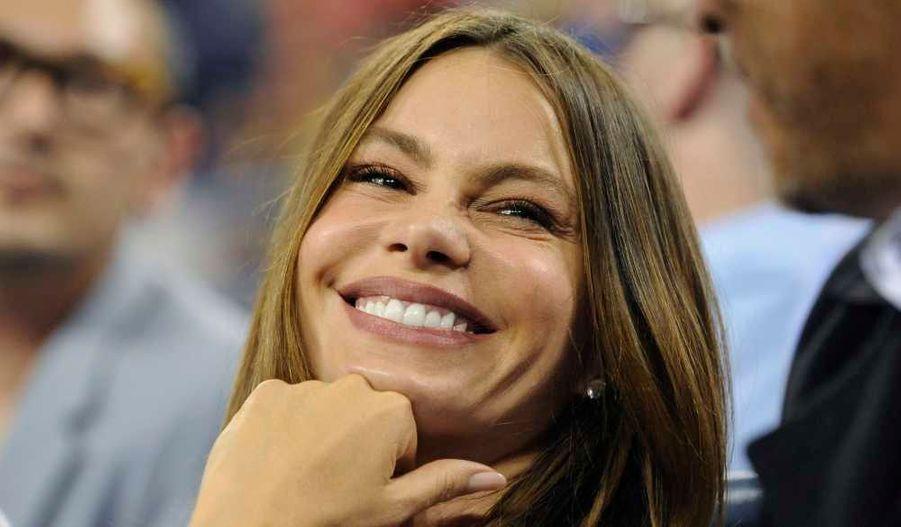 La magnifique actrice Sofia Vergara (Modern Family) à un match de tennis de l'U.S. Open à New York