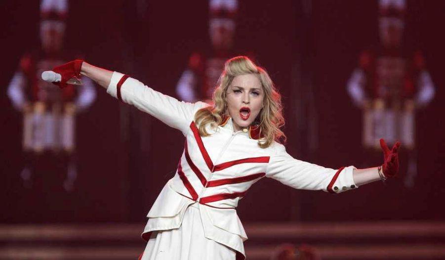 """Madonna, en pleine tournée mondiale dans le cadre de son MDNA tour, a débuté la partie """"Amérique du Nord"""" mardi soir, à Philadelphie. La star sera à Montréal demain, puis à New York les 6 et 8 septembre."""