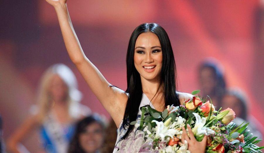 Miss Chine, Wang Jingyao, a reçu dimanche le titre de Miss Amabilité à l'issu du concours de beauté international Miss Univers 2009 remporté par la Vénézuelienne Stefania Fernandez à Nassau, aux Bahamas.