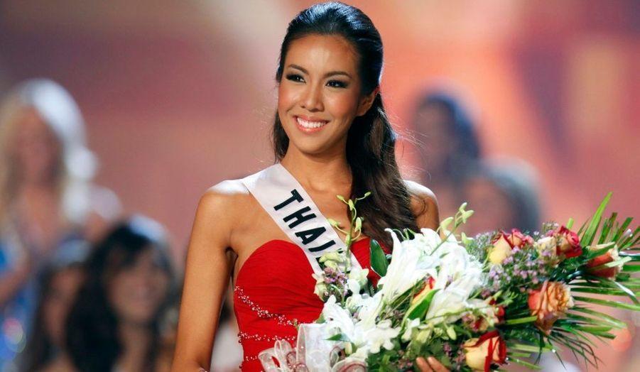 Miss Thaïlande, Chutima Durongdej, s'est vue décerner dimanche le titre de Miss Photogénie à l'issu du concours de beauté international Miss univers 2009 remporté par la Vénézuelienne Stefania Fernandez à Nassau, aux Bahamas.