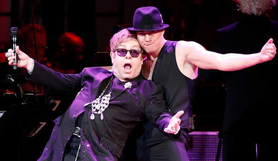 Le chanteur s'est lâché sur la scène du Carnegie Hall de New York, en compagnie de l'acteur Channing Tatum, lors du show de charité «Songs From the Silver Screen».