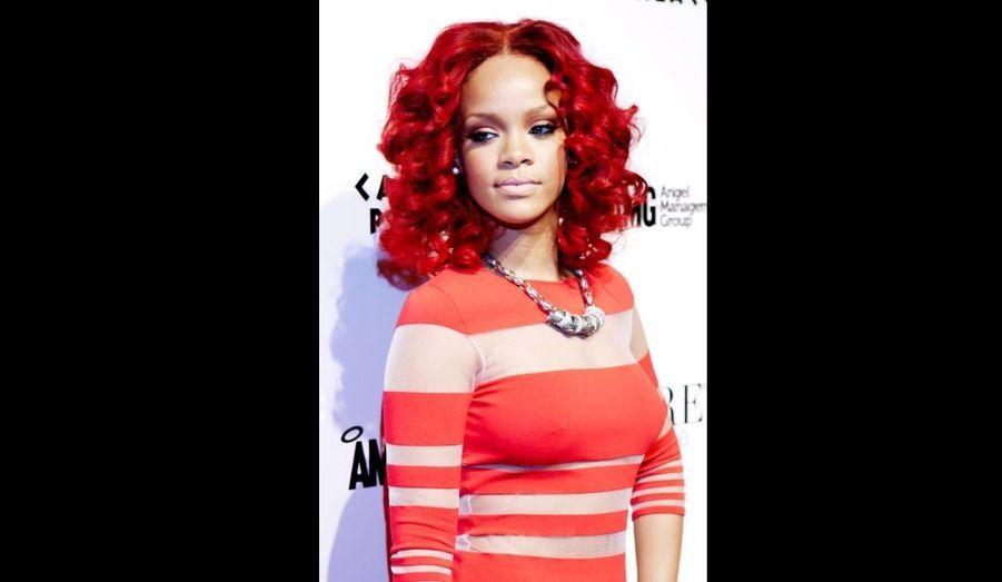 Rihanna a enflammé la soirée PURE donnée au Caesars Palace de Las Vegas pour le Nouvel An.