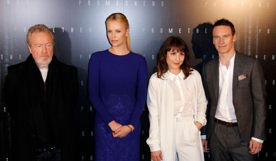 Ridley Scott, Charlize Theron, Noomi Rapace et Michael Fassbender, à l'avant-première parisienne de Prometheus.