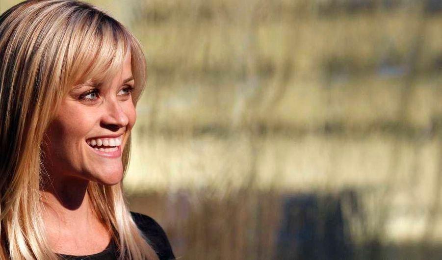 """Enceinte de son compagnon Jim Toth, Reese Witherspoon a assisté, éblouissante, à l'événement organisé par Paul McCartney à Los Angeles pour promouvoir le clip de """"My Valentine"""", issu de son dernier album """"Kisses On The Bottom""""."""