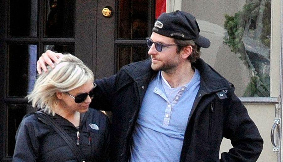 Bradley Cooper et Renée Zellweger auraient rompu, croit savoir People.com sans préciser pourquoi. Les deux acteurs étaient ensemble depuis presque deux ans.