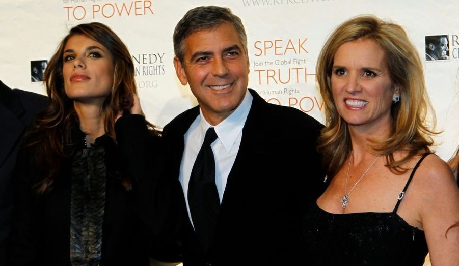 George Clooney, ici accompagné d'Elisabetta Canalise et de Kerry Kennedy a assisté au gala du Robert F. Kennedy Center for Justice & Human Rights Ripple of Hope awards à New York.