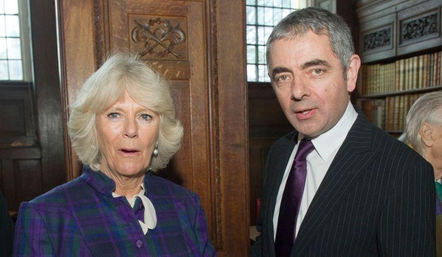 L'épouse du Prince Charles, Camilla, a rencontré l'acteur Rowan Atkison lors de l'inauguration d'un nouvel auditorium au Queen's College. Elle y a rencontré des membres de l'université ainsi que l'ancien étudiant, devenu le mythique Mr Bean.