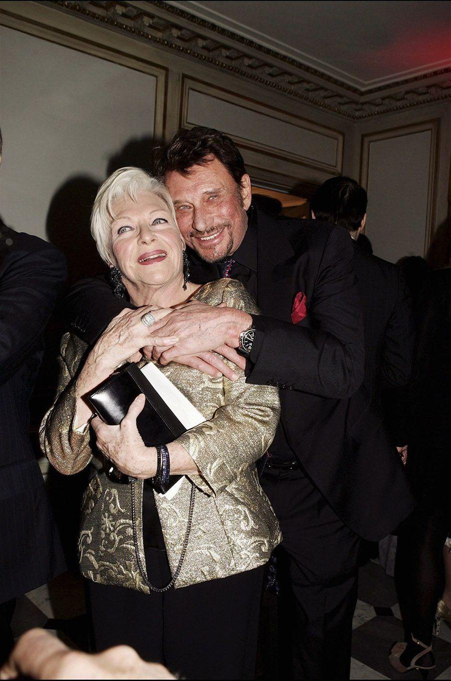 Johnny Hallyday et Line Renaud en 2005.