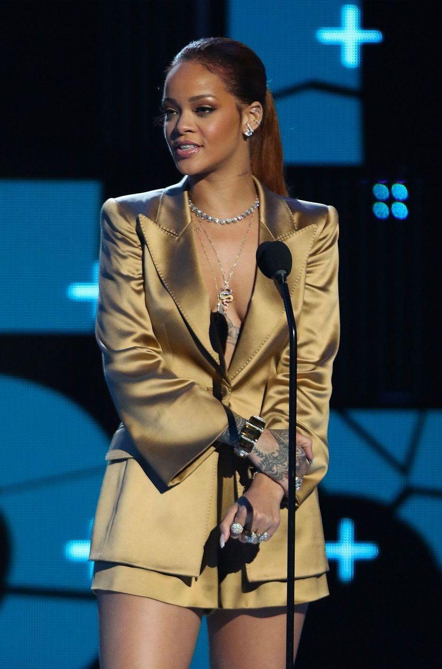 Rihanna en 2015