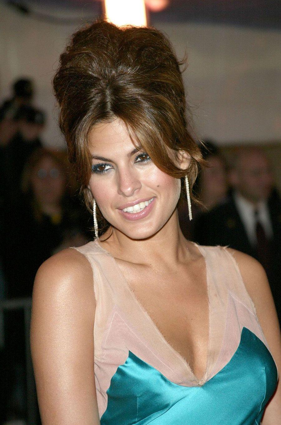 Eva Mendes en 2004