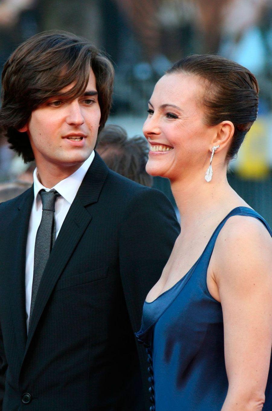 Carole Bouquet et Dimitri Rassam en 2007 au Festival de Cannes
