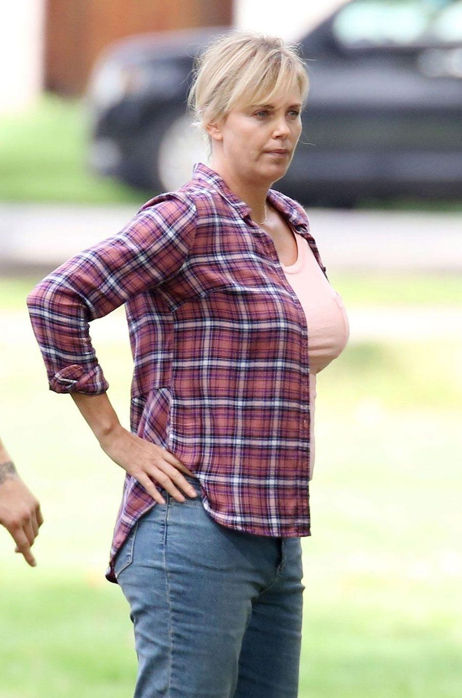 Charlize Theron a pris 15 kilos pour son rôle