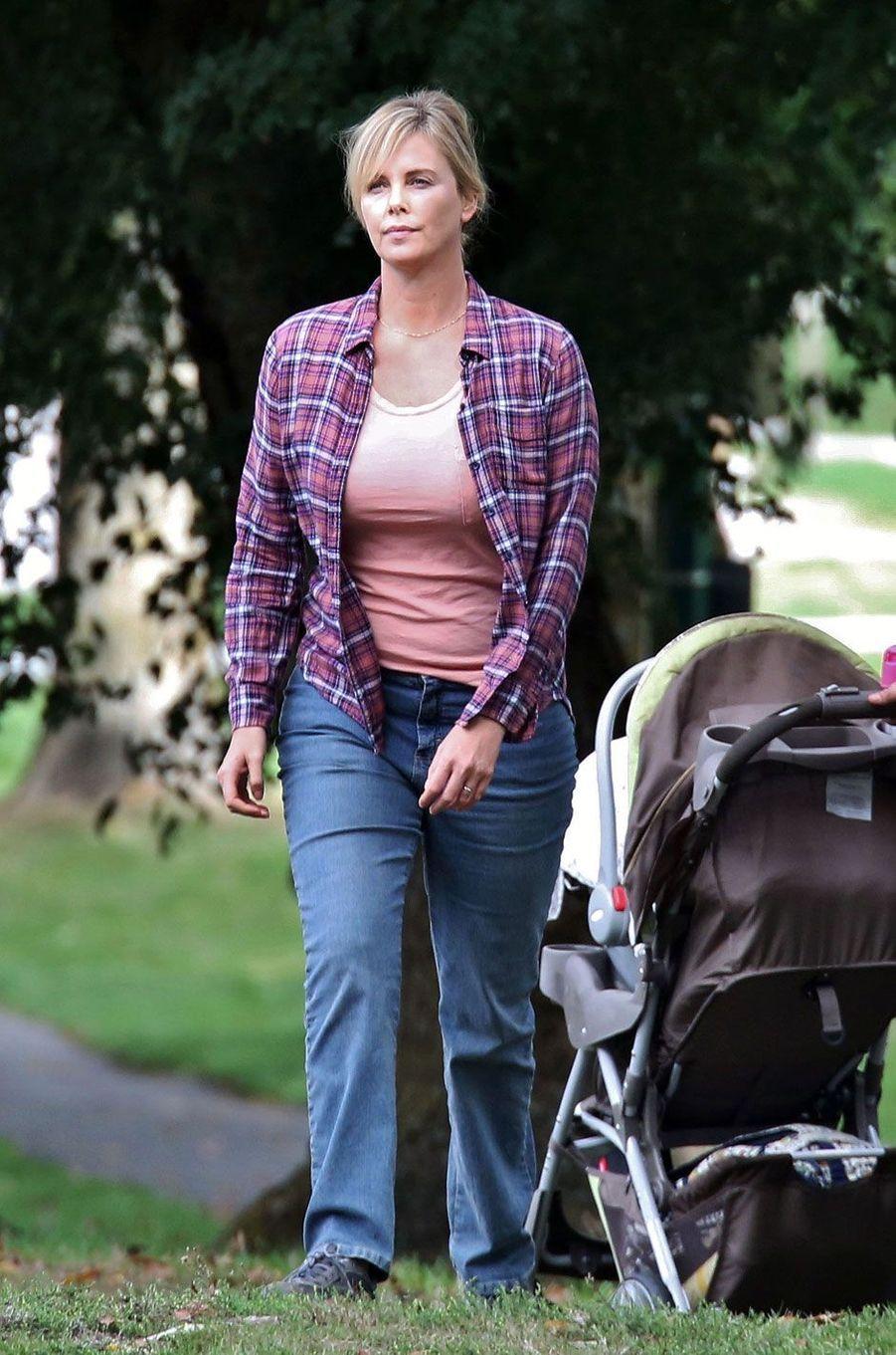 "Charlize Theron sur le tournage de ""Tully"""