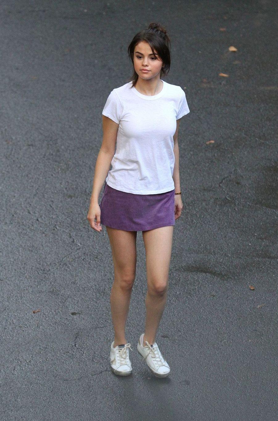Selena Gomezsur le tournage du nouveau film de Woody Allen, à New York le 26 septembre 2017.