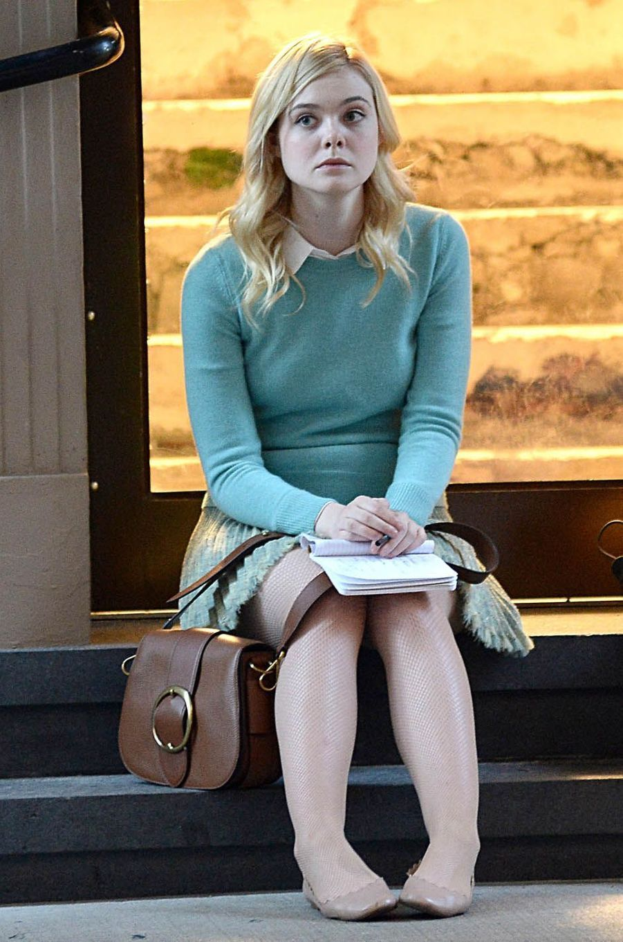 Elle Fanningsur le tournage du nouveau film de Woody Allen, le 19 octobre 2017.