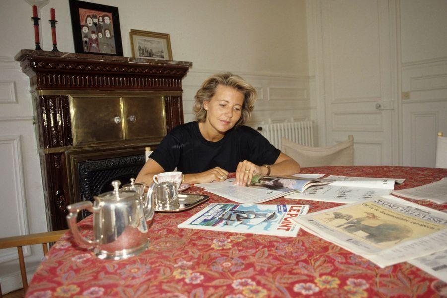 Claire Chazal, chez elle, en 1991