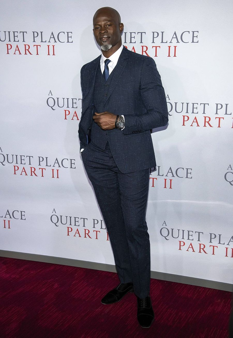 """Djimon Hounsouà la première du film """"Sans un bruit partie II""""à New York le 8 mars 2020."""