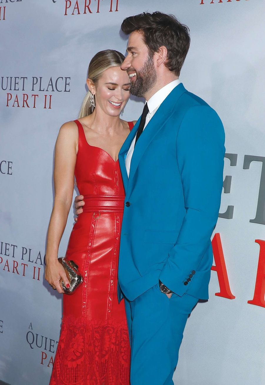 """Emily Blunt avec son mari John Krasinski à la première du film """"Sans un bruit partie II""""à New York le 8 mars 2020."""