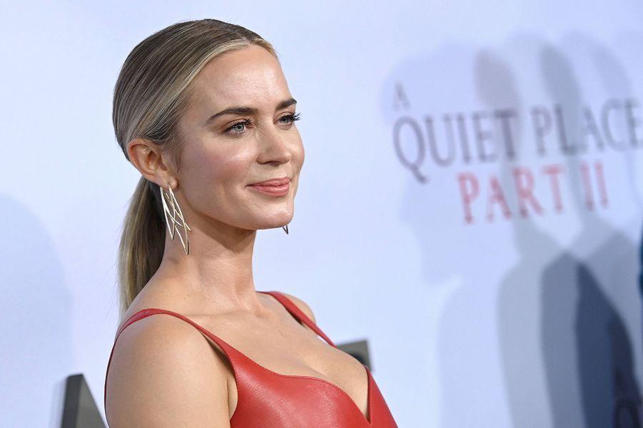 """Emily Bluntà la première du film """"Sans un bruit partie II""""à New York le 8 mars 2020."""