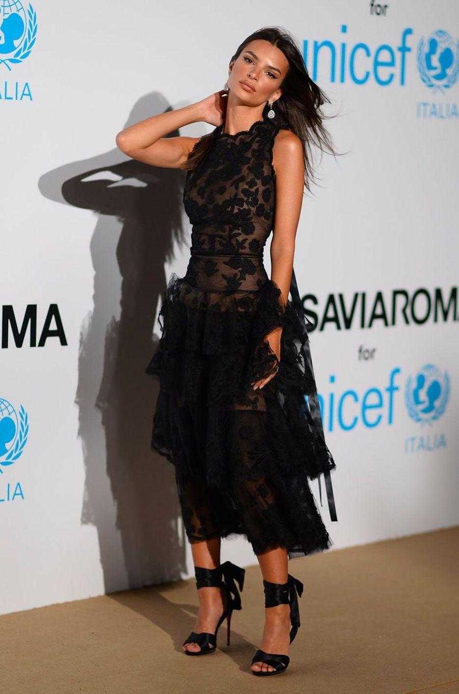 Emily Ratajkowski au gala de l'UNICEF à Porto Cervo (Sardaigne) le 10 août 2018
