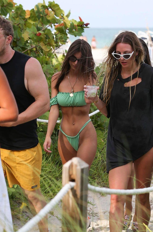 Emily Ratajkowski à Miami le 22 juillet 2018