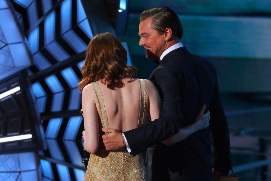 Emma Stone, avec Leonardo DiCaprio, le 27 février 2017
