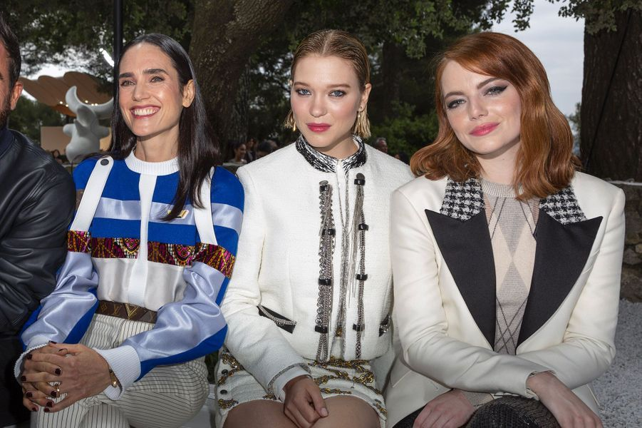 Jennifer Connelly, Léa Seydoux et Emma Stone au défilé Louis Vuitton à la fondation Maeght lundi 28 mai