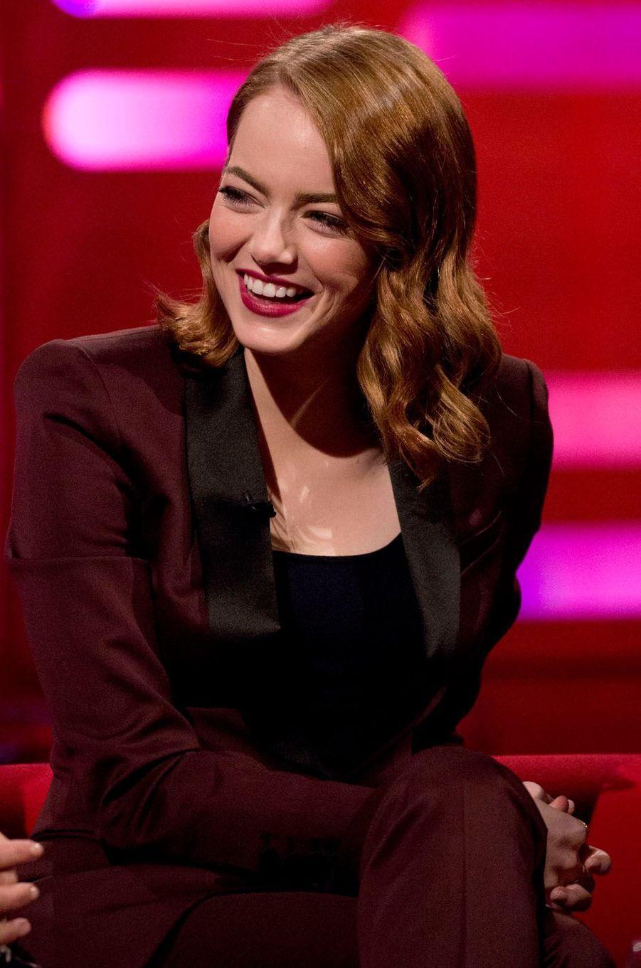 """Emma Stone lors de l'avant-première de """"La La Land"""" à Londres."""