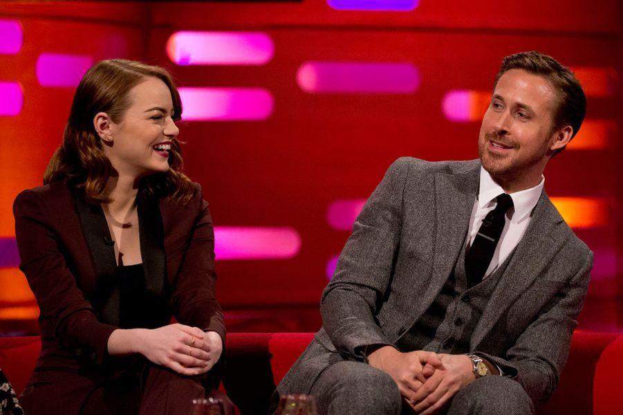 """Emma Stone et Ryan Gosling lors de l'avant-première de """"La La Land"""" à Londres."""